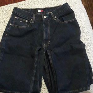 Tommy Hilfiger mens 32/32 dark blue jeans!